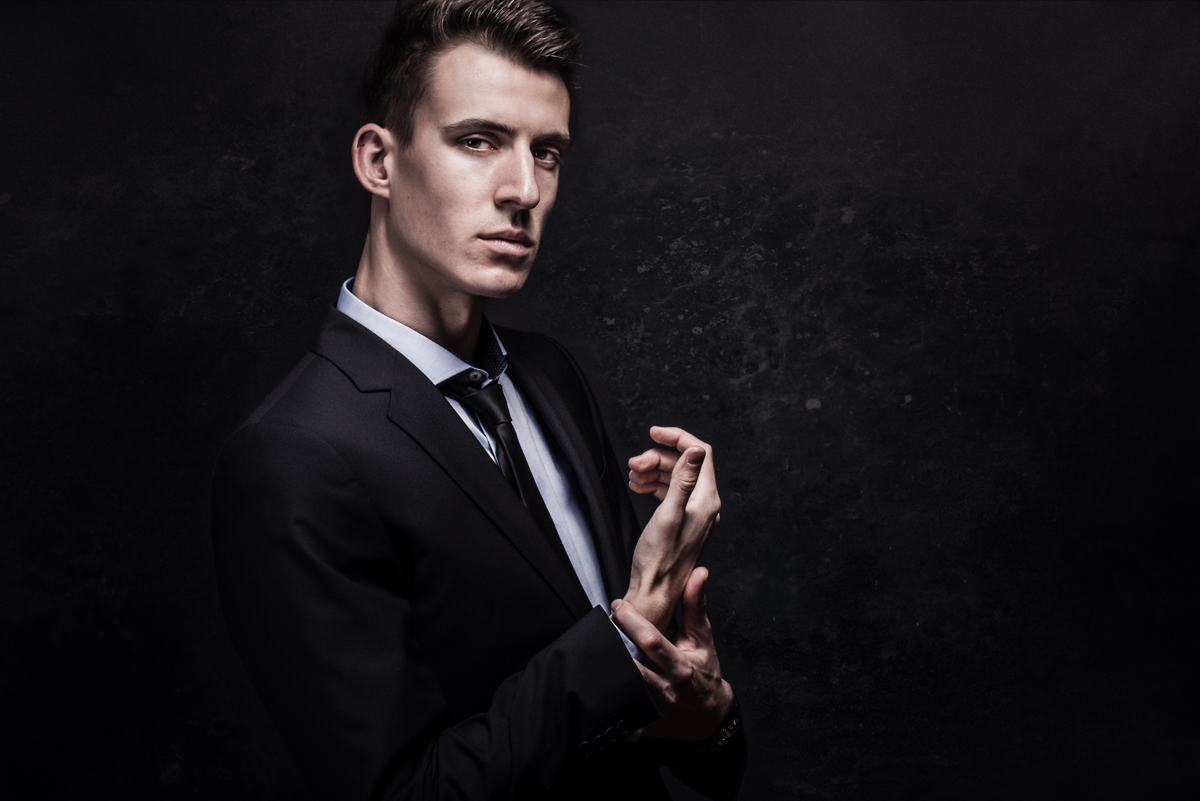daniel silin model business portrait (1)